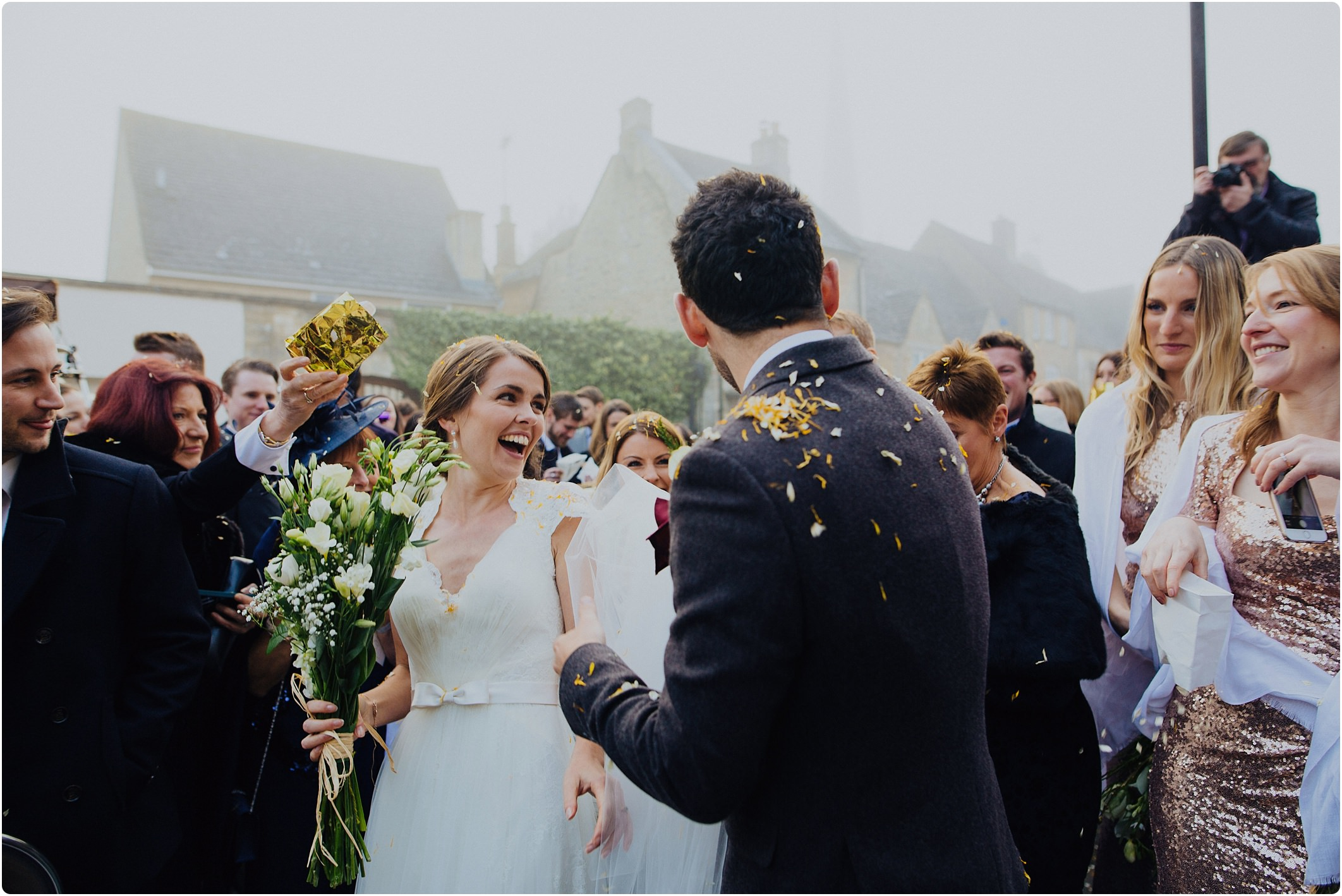 bride groom winter confetti