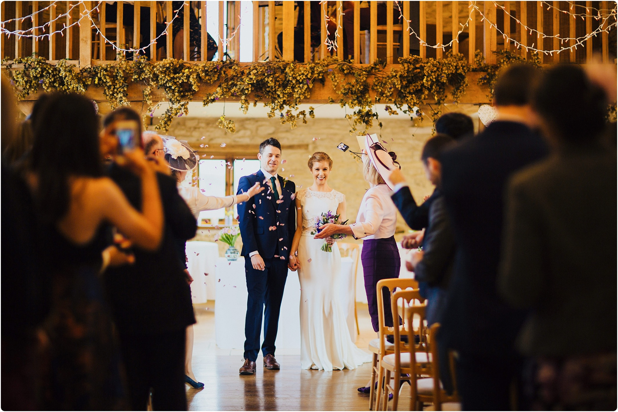 kingscote barn confetti shot