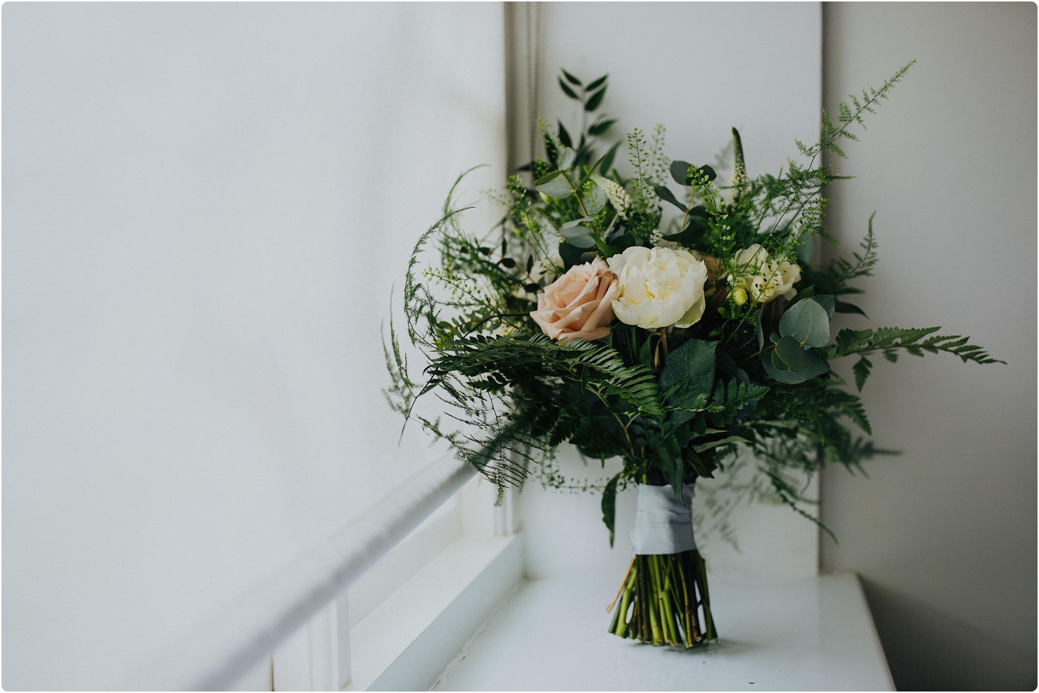 bouquet go wild flowers
