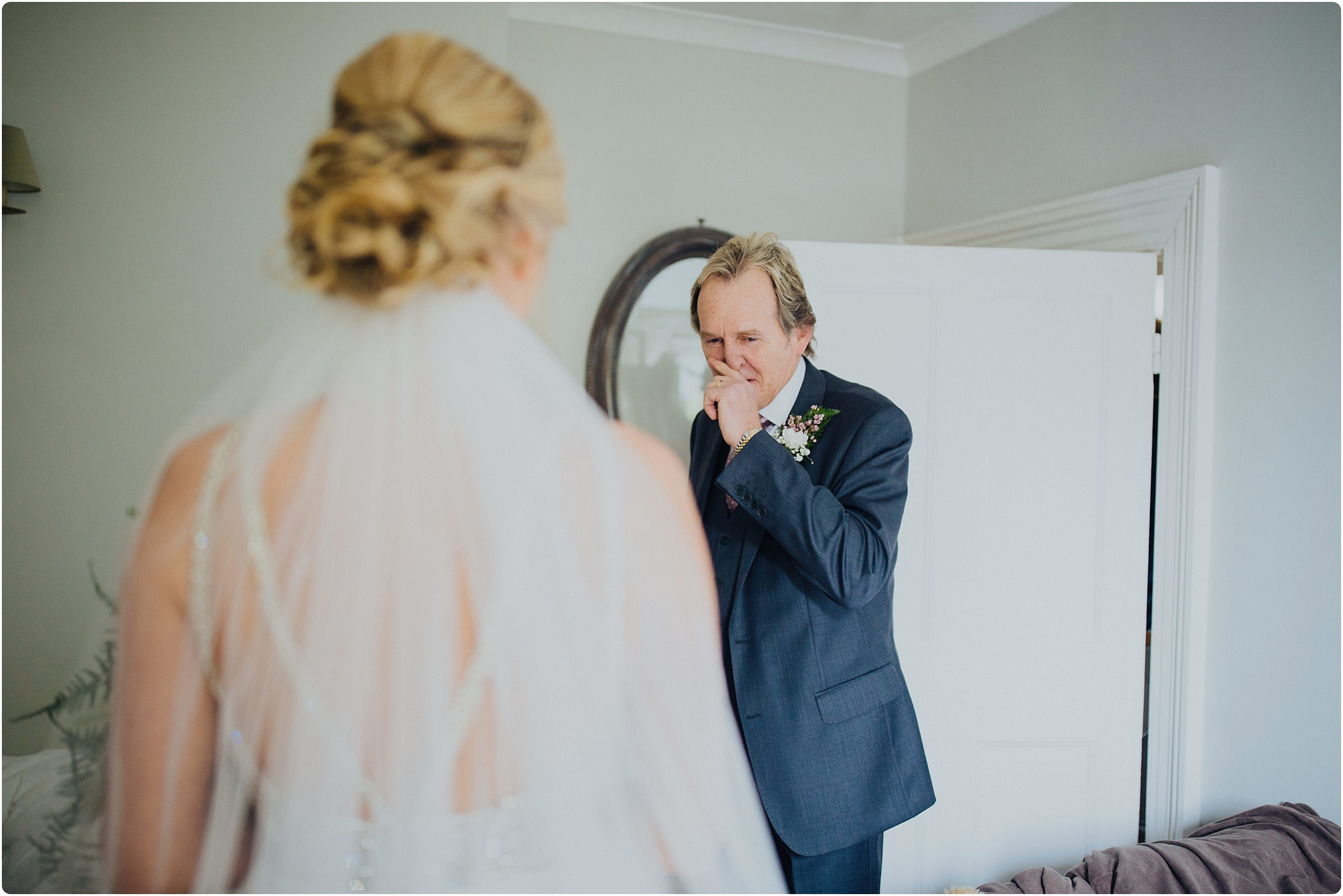 bride father seeing bride for first time