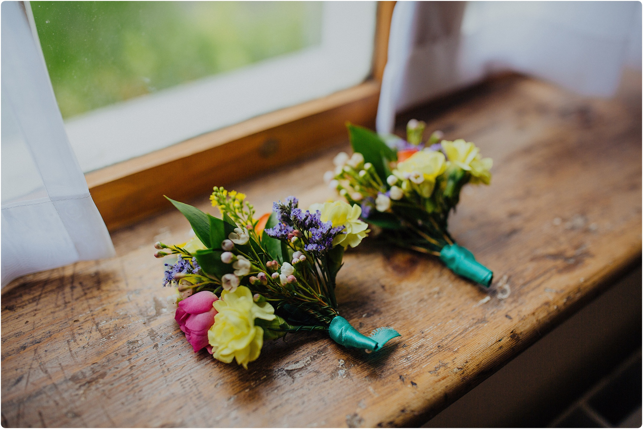 DIY colourful wedding buttonholes