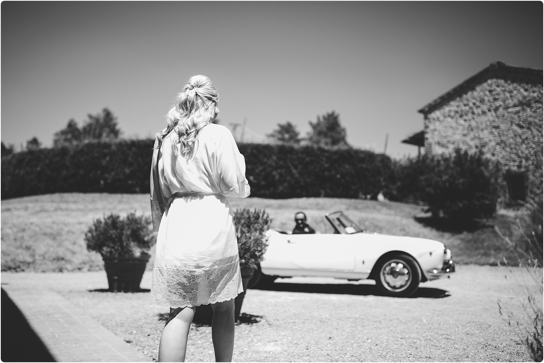 tuscan wedding and a vintage alfa romeo