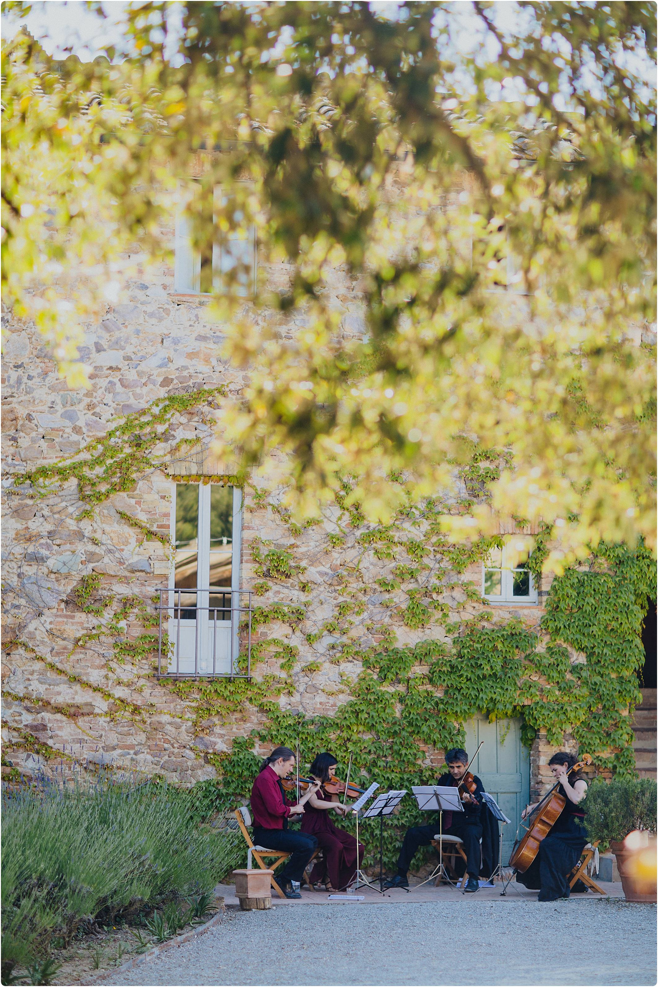 string quartet playing at a villa podernovo wedding