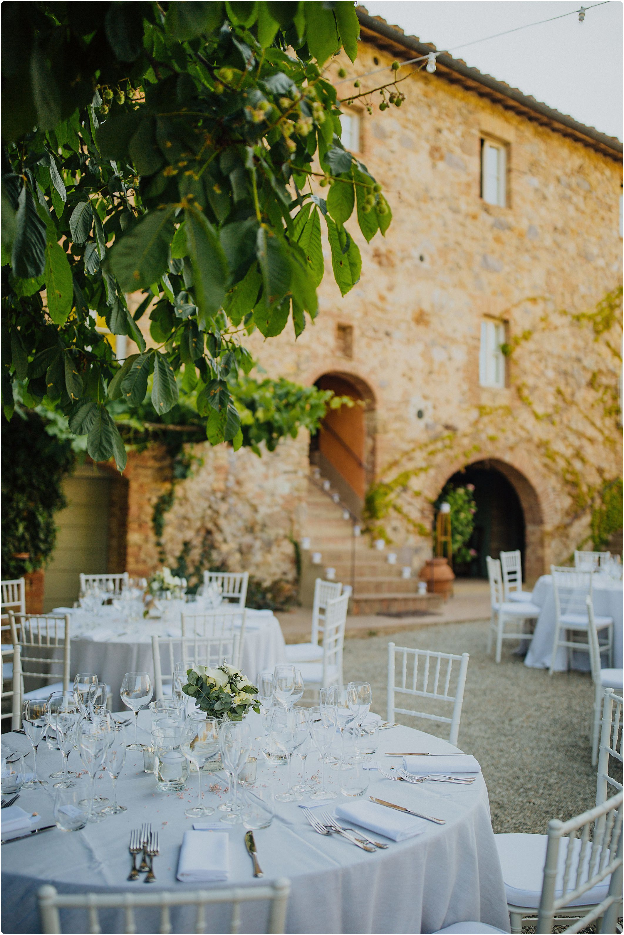 table lay out at a villa podernovo wedding