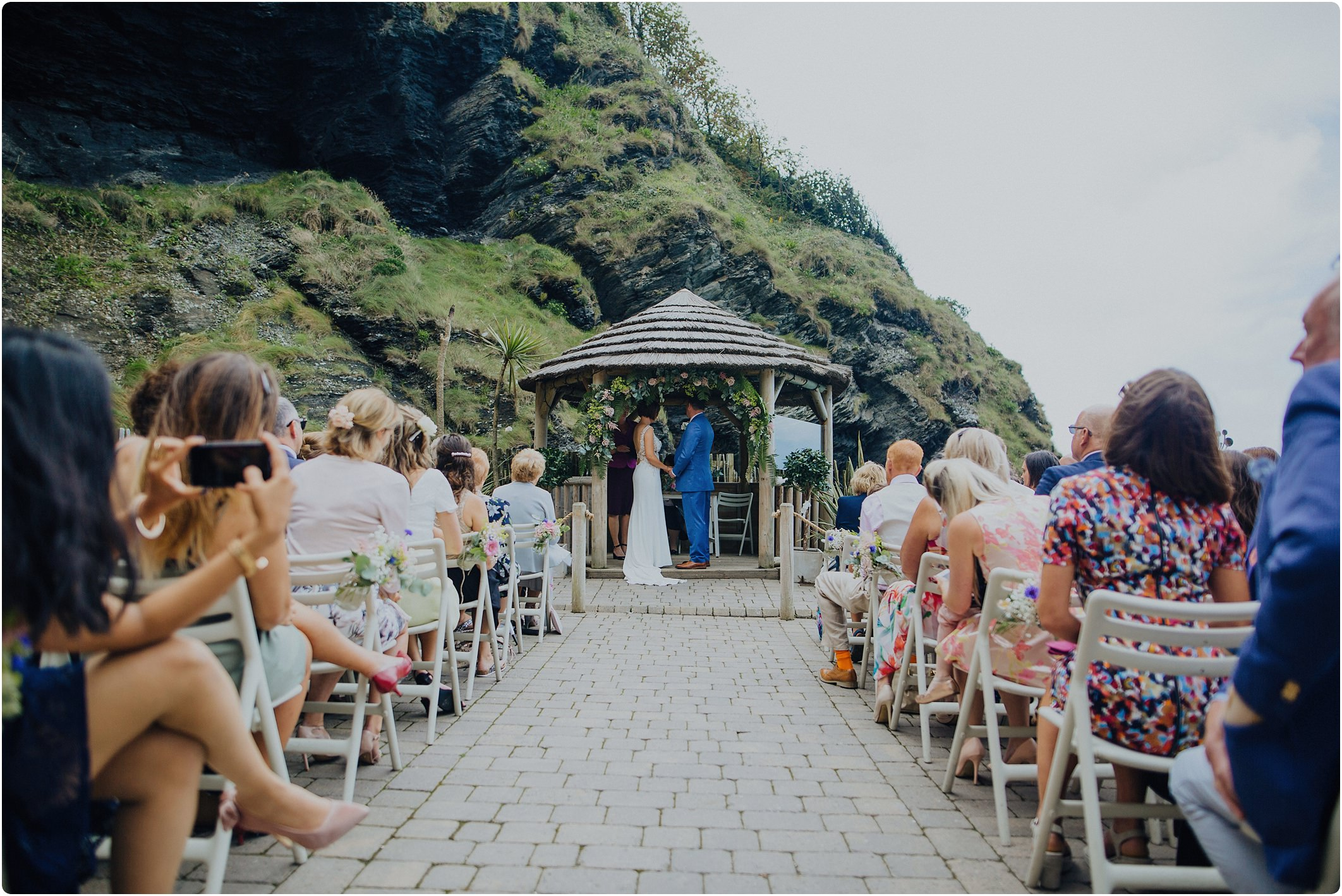 ceremony at a tunnels beach wedding