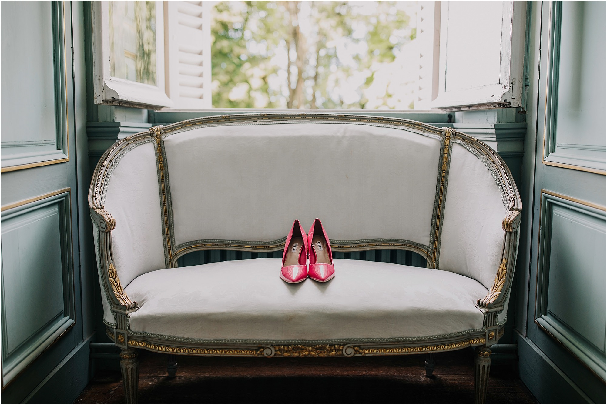 pink shoes at a chateau la durantie wedding