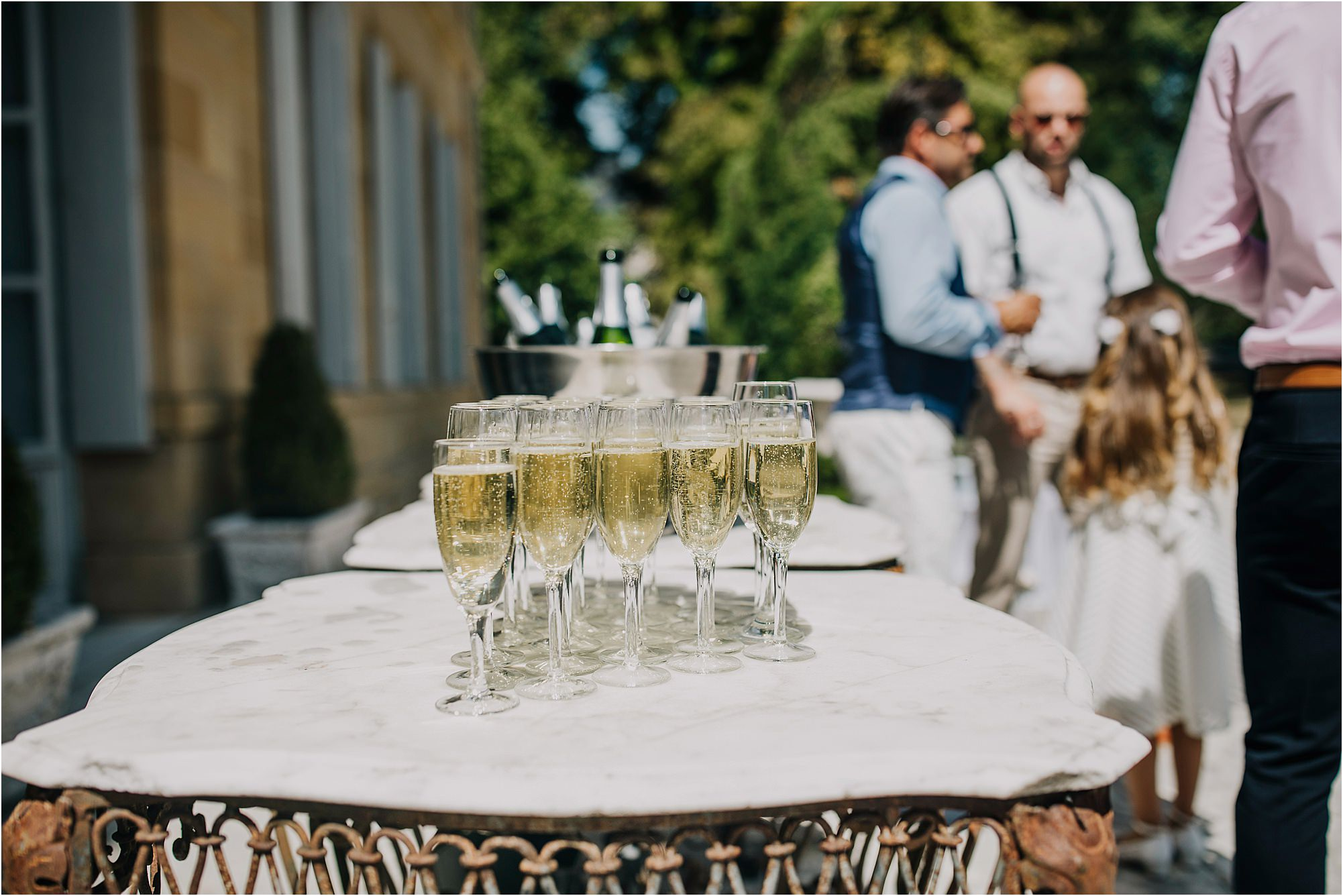 champagne outside at chateau la durantie