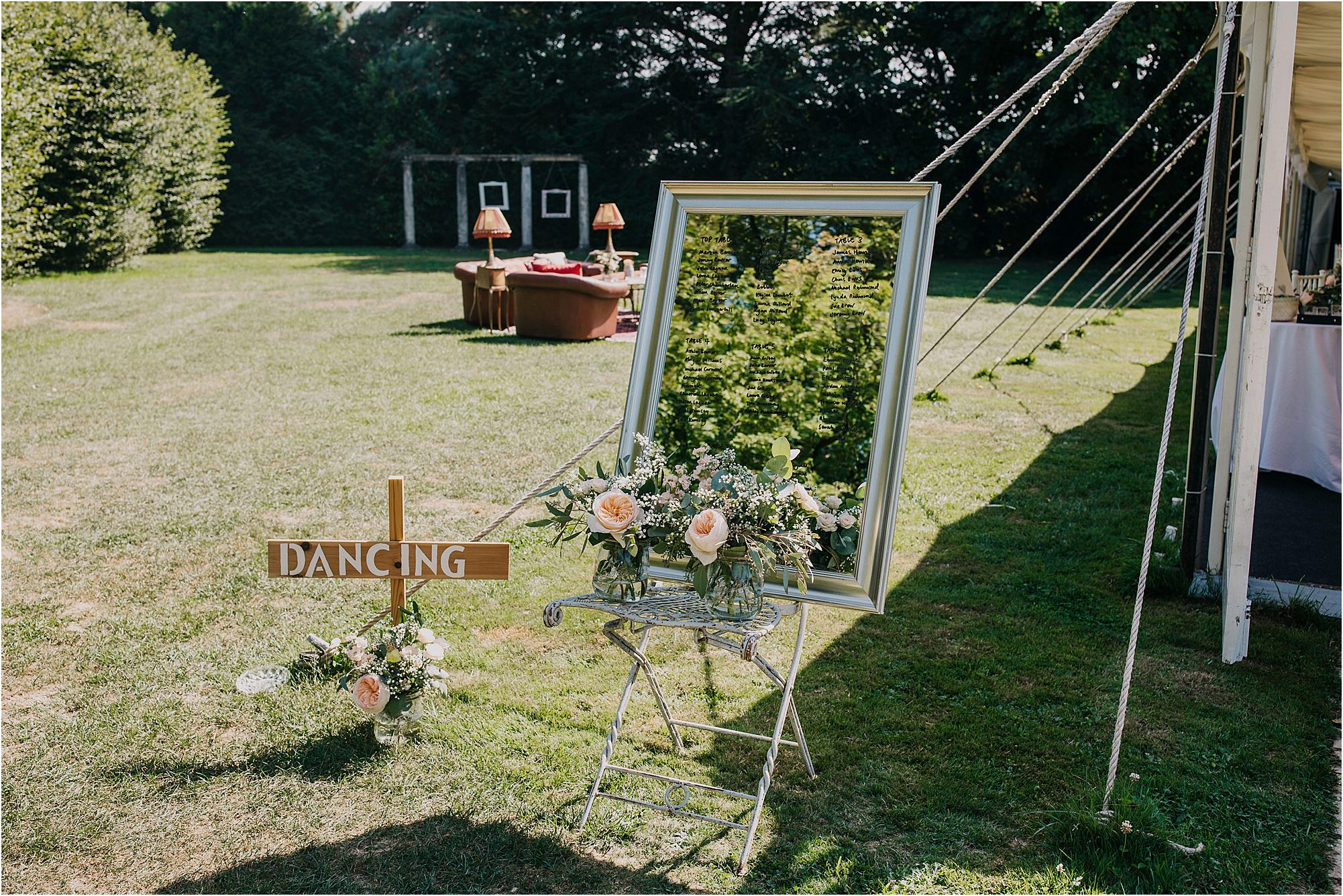 outside wedding styling at chateau la durantie