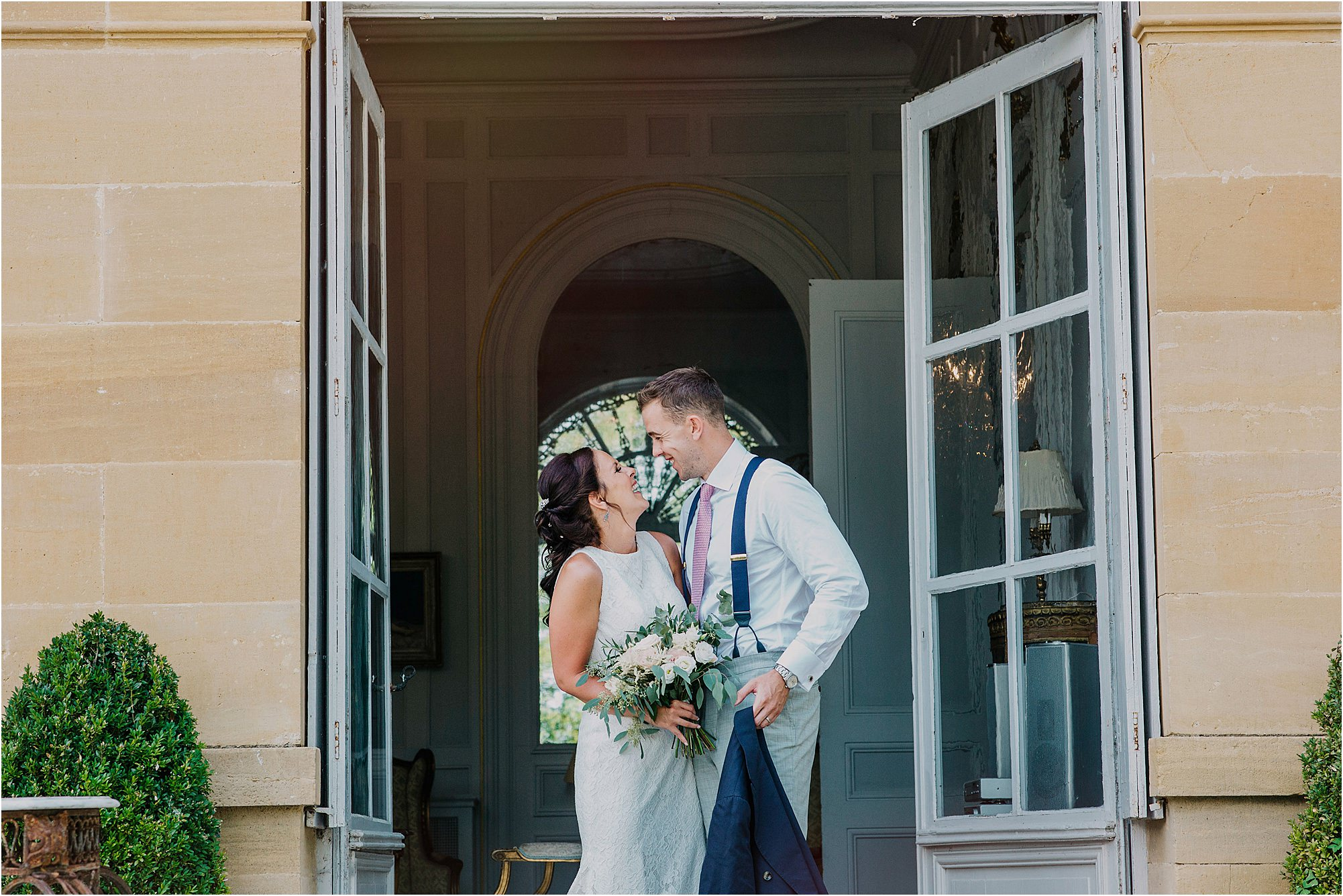 bride and groom pictures at a chateau la durantie wedding